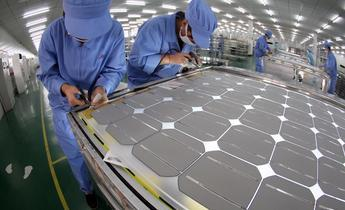 Aside w987gj solar cell modules in a factory in china