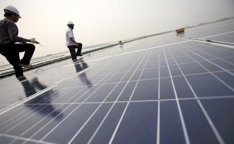 Sidebar installing solar panels.v3