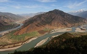 Aside_yangtze_river__426