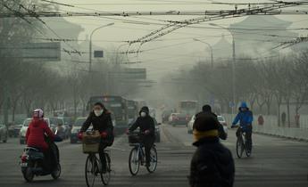 Aside d25y52  beijing smog masks