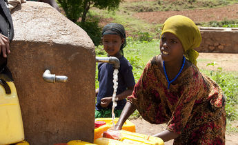 Aside 1024px local girls in babile ethiopia 2012