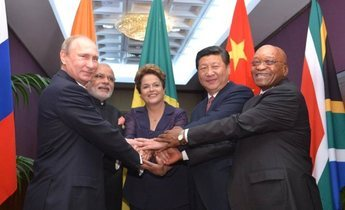 Aside brics heads of state and government at the 2014 g20 summit 02