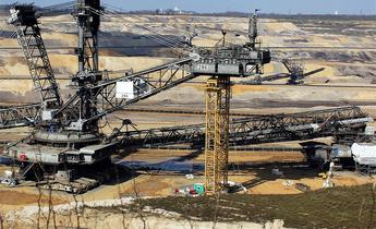 Aside open pit mining 1327116 1280 meitu 1