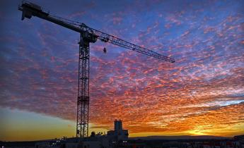 Aside jan 2017   tower crane 2 at sunset