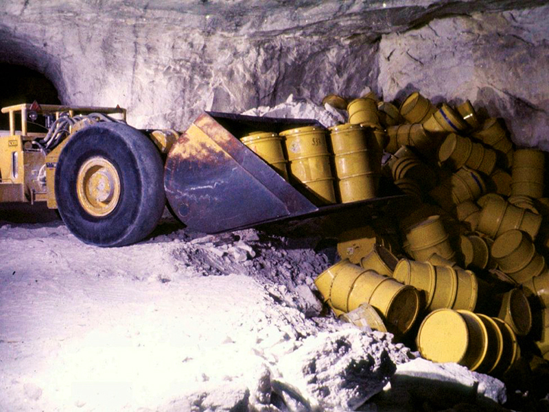 Barrels of radioactive waste in the Asse II storage cavern in 1975.Photo: Federal Office for Radiation Protection