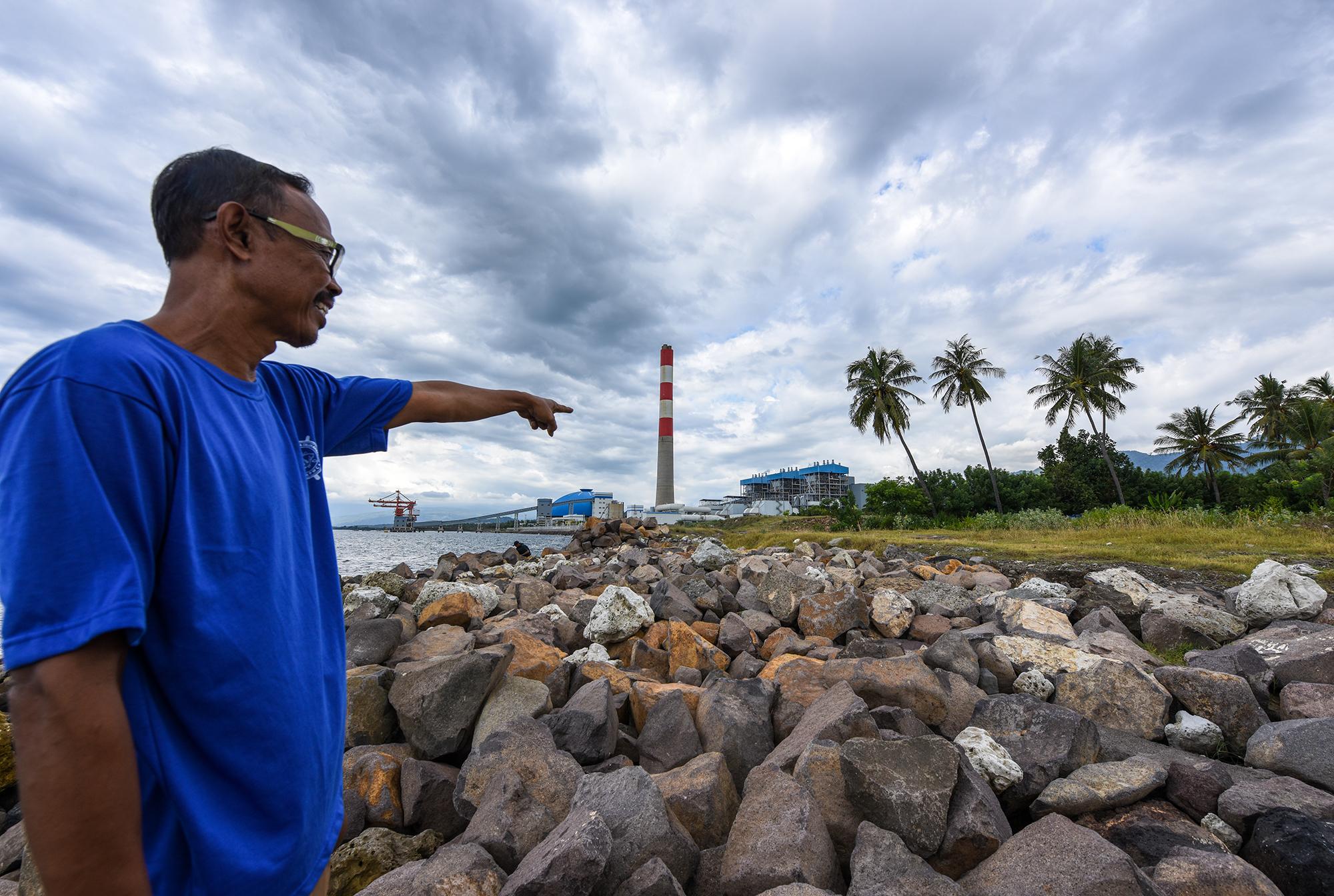 受电厂污染的影响,椰子的产量持续下降。图片来源:Ade Dani