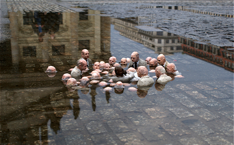 Main 1 isaac cordal follow the leaders berlin follow the leaders 2011 meitu 1