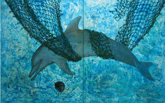 Main the entangled dolphin